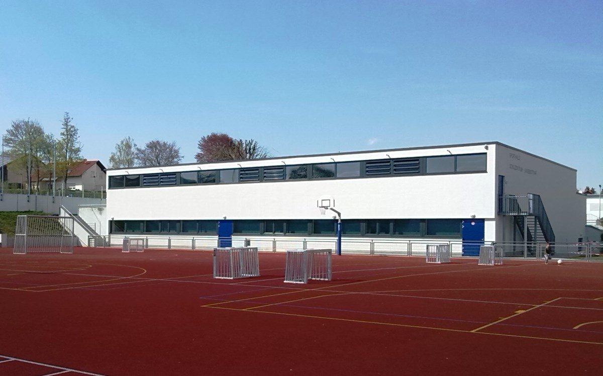 07-06-2018 Fertigstellung Außensanierung Halle und Sportplatz