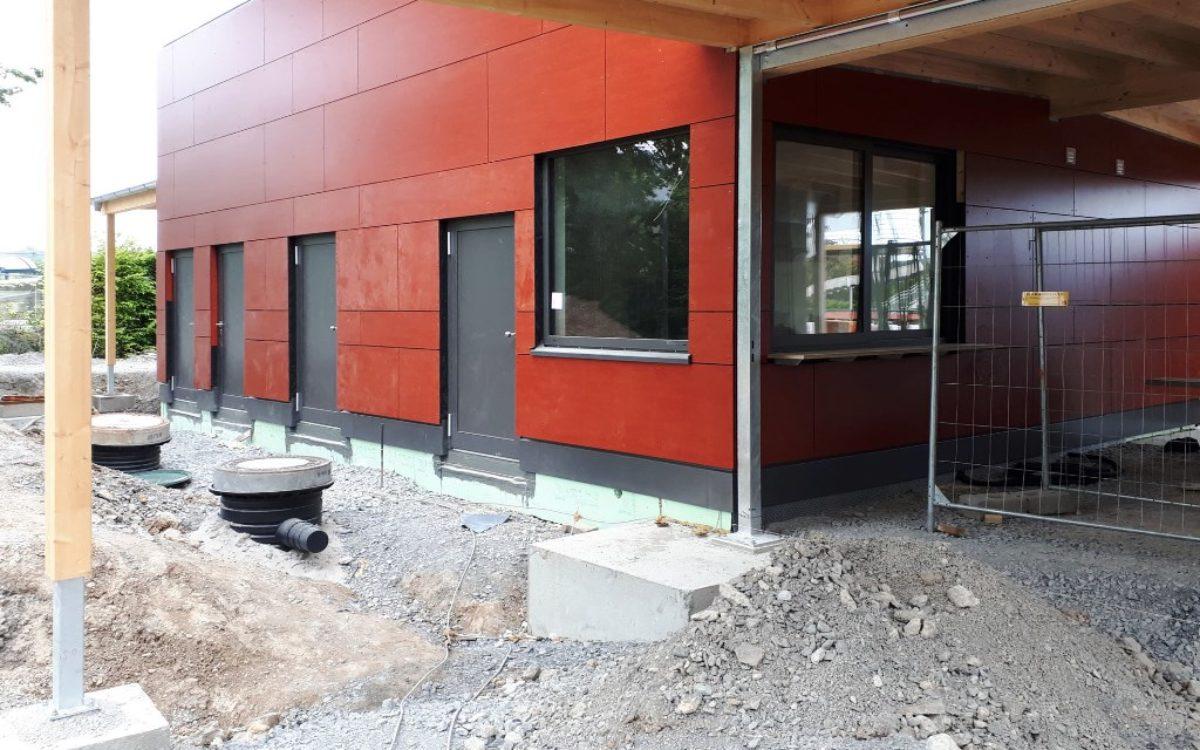 01-04-2020 Fassade Verkaufsgebäude