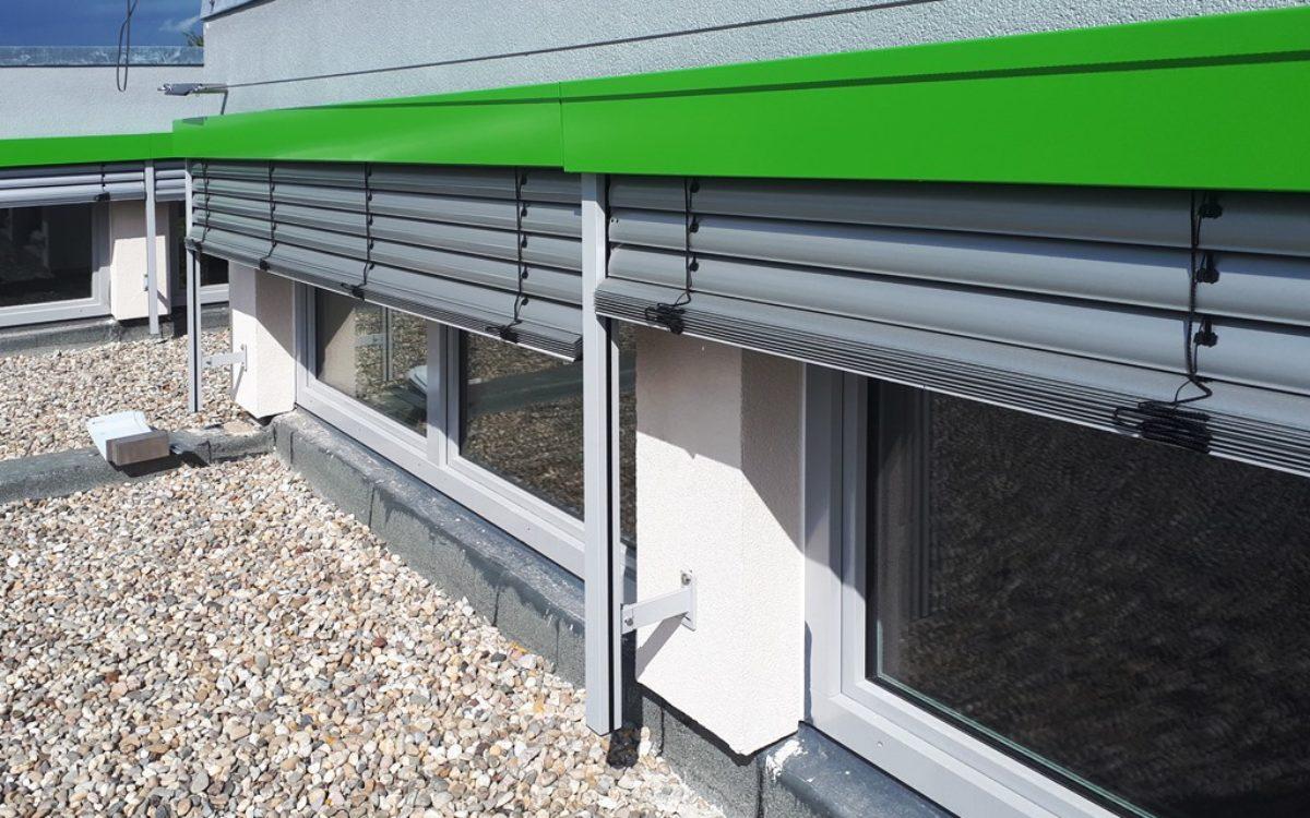 04-05-2020 Fassade mit Sonnenschutz DG
