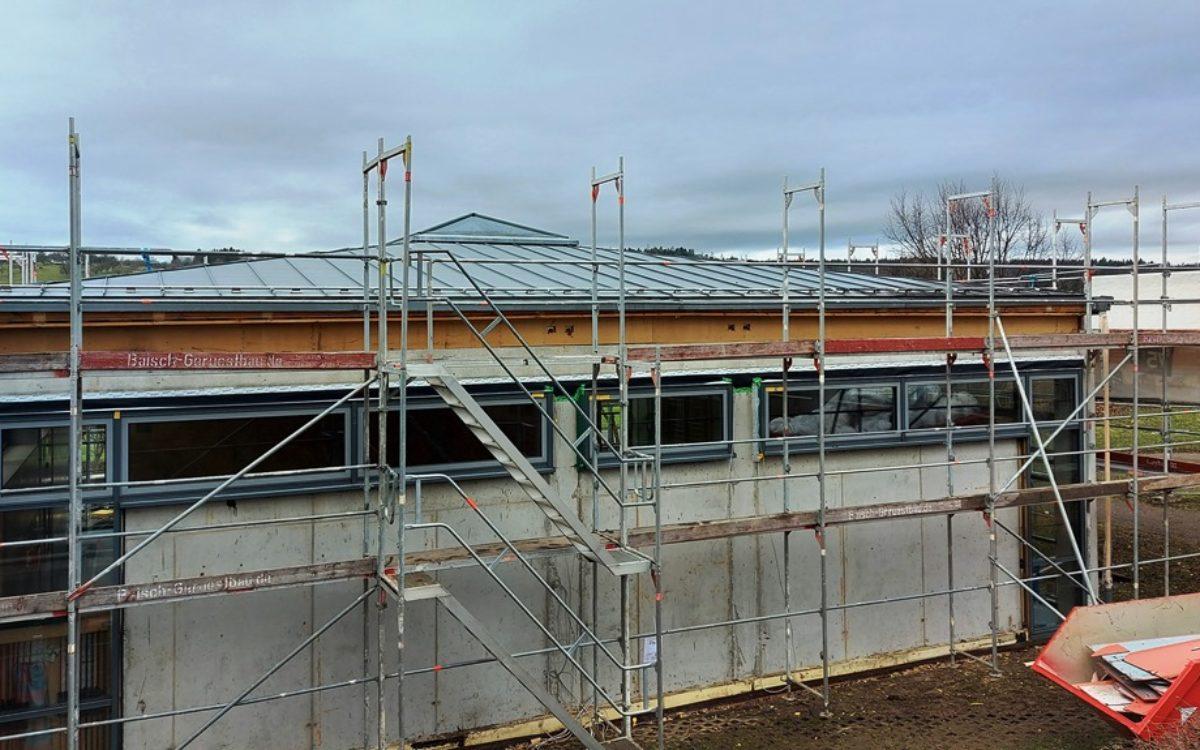 2021-02-19 Abbruch der Fassadenverkleidung