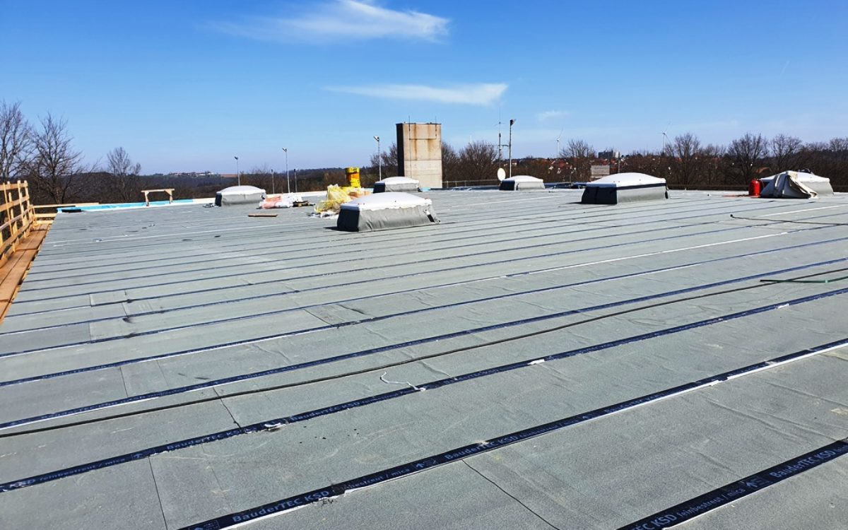 2021-04-28 Fertigstellung Dachabdichtung